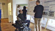 Students browsing presentations.