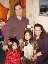 Halloween 2005 - Eduardo and family