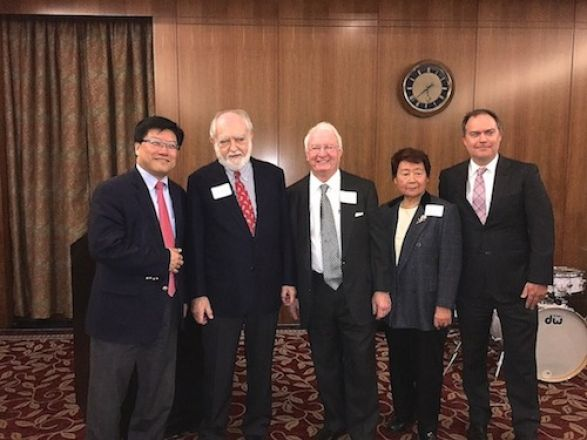 Dean Augustine Choi honored faculty members Dr. Roberto Levi and Dr. Michi Okamoto for 50 & 55 years of service at Weill Cornell! The event also honored Pharmacology faculty Drs. Arleen Rifkind, Diane Felsen, Silvia Moore, Lorraine Gudas, & Xiao-Han Tang