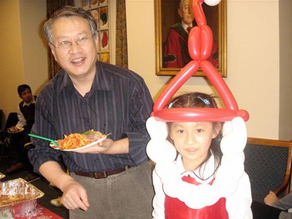 Dr. Yuliang Ma and his daughter