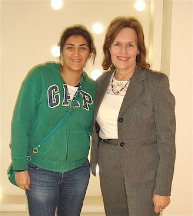 WCMC-Q medical student, Menna Omar, reunites with her summer research advisor, Dr. Lorraine Gudas.